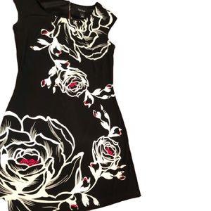 WHITE HOUSE BLACK MARKET floral shift dress